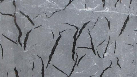 Solución probada para el control de la filtración de la resina y adhesión de la malla en mármol y granito